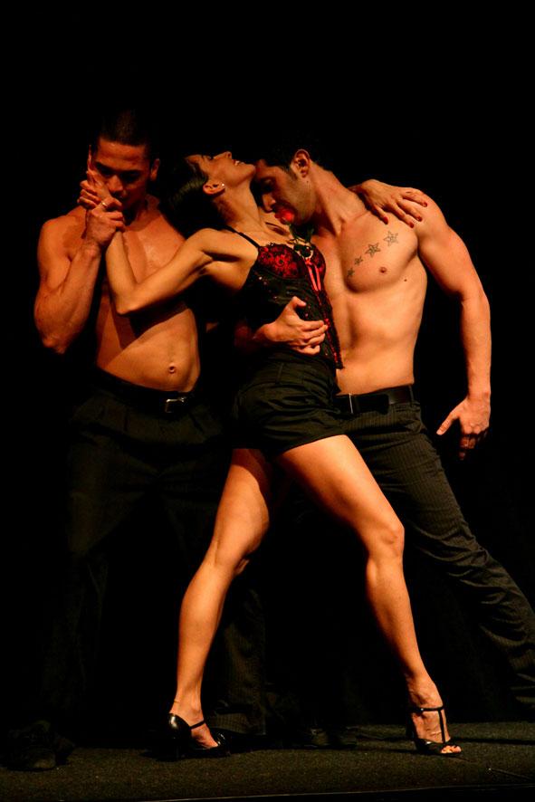 paren-seksualno-tantsuet