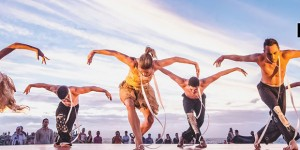 Ochre Contemporary Dance Company performing at the 2014 Sculpture by the Sea at Cottesloe beach, WA. Photo Dana Weeks Photography.